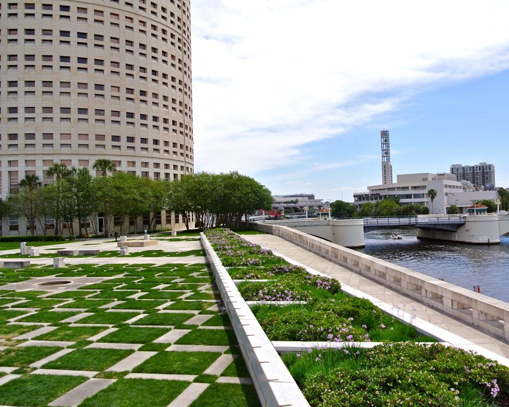 Kiley Gardens Downtown Tampa
