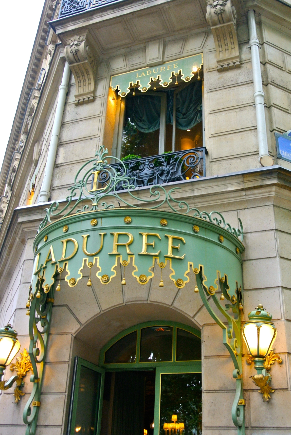 Laduree on the Champs-Élysées Paris, France. Two Days in Paris via smiletheresgin.com
