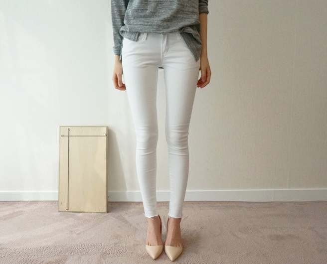 white pants Spring style